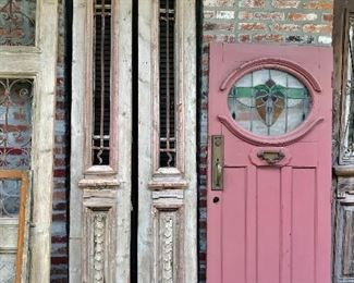 Several antique doors to choose from