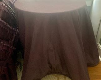 #1009A. Custom-made table cover with  piped border $35