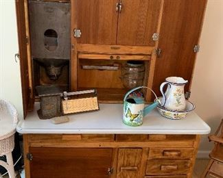 Hoosier Bakers Cabinet! Wow, just WOW!