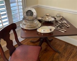 BEAUTIFUL DROPLEAF TABLE WITH DRAWER.  BEAUTIFUL SILVER PLATE SERVING PIECES