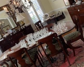 BEAUTIFUL DINING TABLE AND 8 CHAIRS.