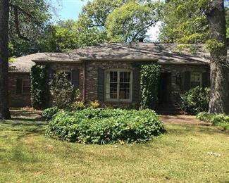 Amazing hidden East Memphis Estate and Gardens