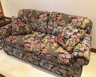 Henredon 2-cushion loveseat with custom fabric by Robert Allen - excellent condition