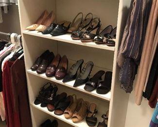 shoes - women's 7.0 - 8.0