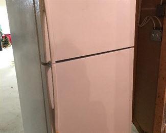 GE profile fridge/freezer - great condition