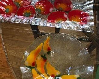 Glass serviceware dishes