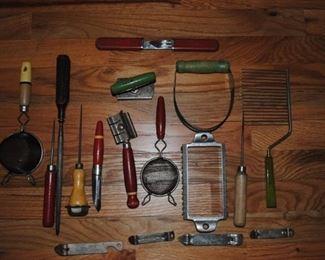1940 and 1950s kitchen utensils
