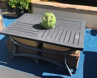 Outdoor coffee table with 2 small stools!