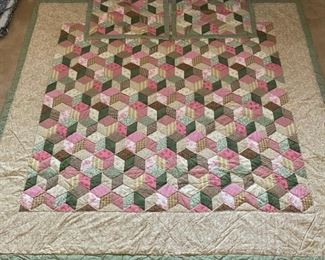 """King Size Quilt, 98"""" wide x 87"""" long, """"Tumbling Blocks"""" Pattern with 2 Matching Shams"""