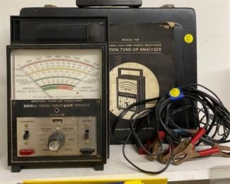 Dwell-Tach Volt-Amp Ignition Tune-Up Analyzer with Manual and Carrying Case