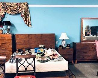 Queen Bed, Dresser, Night Stand Chest Set, Etc.