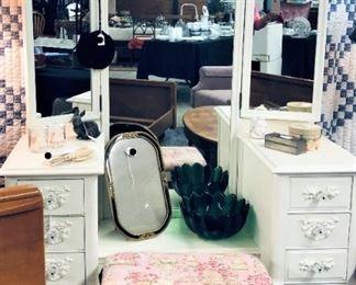 Triple Mirror Vanity with Stool, Misc.