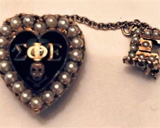 1950s Sigma Phi Epsilon 10K with Seed Pearls
