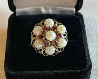 REDUCED!  $150.00 NOW, WAS $200.00................14k Gold Ring with Pearls, Size 7 (C219)