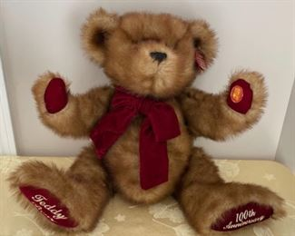 CLEARANCE !  $4.00 NOW, WAS $16.00....................100th Anniversary Teddy Bear (C193)