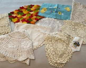 CLEARANCE !  $3.00 NOW, WAS $12.00.....................Misc Linens and Doilies (C169)