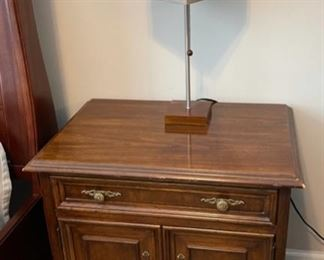 HALF OFF!  $15.00 NOW, WAS $30.00.....................Drexel Nightstand (C159)F