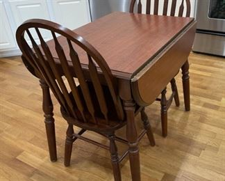 "REDUCED!  $112.50 NOW, WAS $150.00..............Kitchen Table & 2 Chairs 36"" x 24"", 29"" tall knock down leaves (C154)"