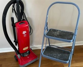 CLEARANCE !  $5.00 NOW, WAS $20.00..................Dirt Devil Vacuum and Stepping Stool (C137)