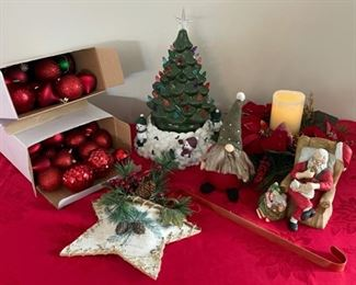 $10.00...............Christmas Decor (C128)
