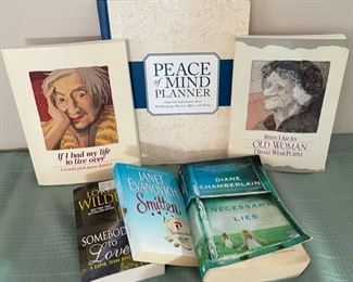 CLEARANCE !  $3.00 NOW, WAS $10.00..............New Peace of Mind Planner and Books (C121)