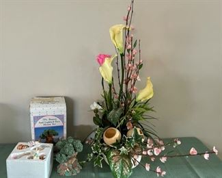 CLEARANCE !  $3.00 NOW, WAS $10.00.....................Spring Decor (C107)
