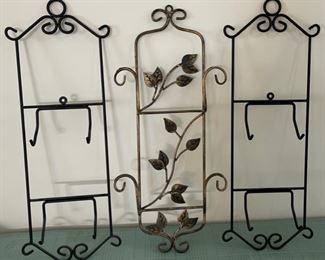 REDUCED!  $6.75 NOW, WAS $9.00....................3 Plate Racks (C096)