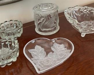 CLEARANCE !  $3.00 NOW, WAS $12.00...................Glassware (C073)