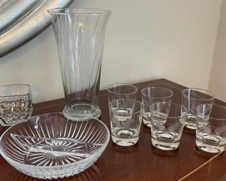 CLEARANCE !  $4.00 NOW, WAS $16.00...................Glassware (C069)