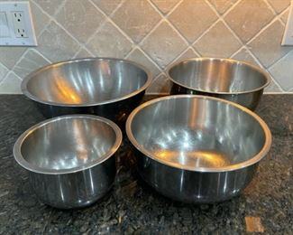 REDUCED!  $9.00 NOW, WAS $12.00..................Stainless Bowls (C044)