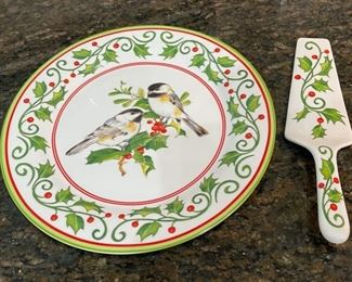 CLEARANCE !  $12.00 NOW, WAS $45.00...................Williamsburg Andrea by Sadek Holly & Chickadee Cake Plate & Server, Microwave and Dishwasher Safe (C041)