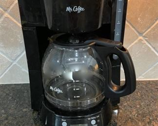 HALF OFF!  $6.00 NOW, WAS $12.00....................Mr. Coffee maker (C035)