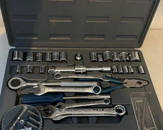 HALF OFF!  $7.00 NOW, WAS $14.00................Tool Set (C020)