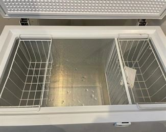 Open View Freezer (C012)