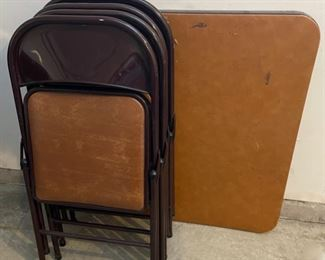 CLEARANCE !  $6.00 NOW, WAS $25.00................Card Table and 4 Folding Chairs (C004)