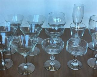 https://www.ebay.com/itm/124679435621	KG0054 LOT OF GLASS STEMWARE 14 PCS Local Pickup		Buy-It-Now	19.99 https://www.ebay.com/itm/114764904881	KG0055 SET OF PINK UTENSILS WITH WOOD ORGANIZER 		Buy-It-Now	19.99