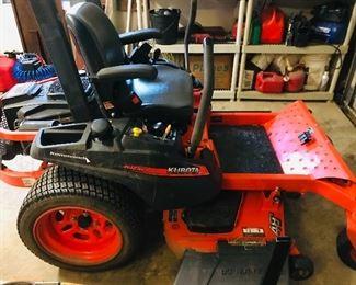 """Kubota Zero Turn Lawn Mower: 48"""" Deck 23HP"""