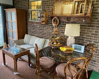 Beautiful set of rattan furniture!