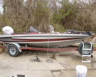 16' Bass Boat on trailer w/Johnson 115 hp outboard motor, trolling motor, 2 fish finders, and covers..1993..serviced and running great!