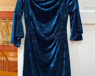 Lauren by Ralph Lauren Velvety  Dress with flair sleeves Size 8 $58