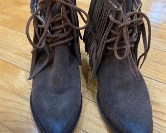 Suede Frye Lace up shoes with fringe Size 7.5 $95