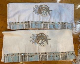 2 sea scape towels with beads $6
