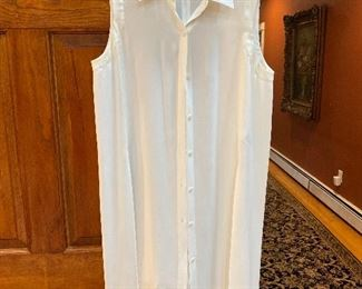 DKNY Lightweight long top with side slits, shorter in front Size M $35