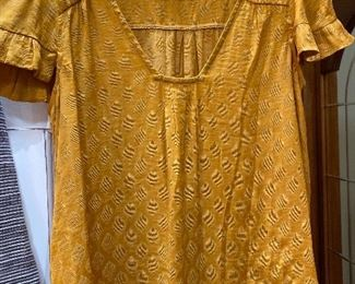 Anthropology Maeve Size M top $18