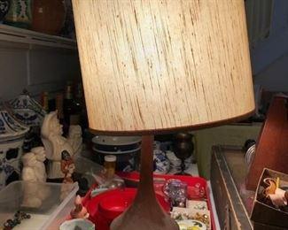 MID CENTURY MODERN LAMP