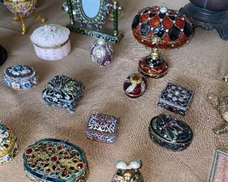 COLLECTIBLE ENAMEL AND CRYSTALS TRINKET BOXES