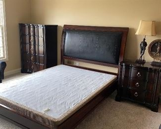 "BLACK PLEATHER & WOOD QUEEN SIZE BED  86""L x 64""W x 55""H"