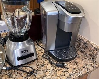 KEURIG COFFEE MAKER AND OSTER BLENDER