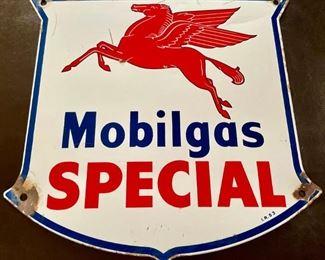 VINTAGE MOBILGAS SPECIAL GASOLINE / MOTOR OIL PORCELAIN GAS PUMP SIGN 1947