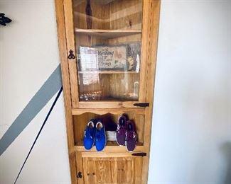 Great corner piece. solid wood with glass door.